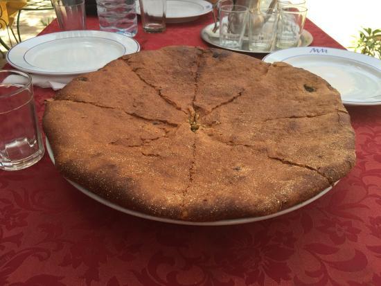 Dakar Restaurant: La medfouna plat traditionnel de la region qui ns a ete preparé un delice