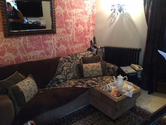 rooms suites studio hideaway