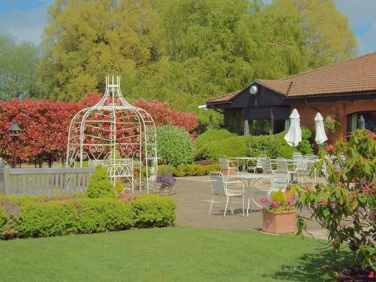 The Parkway Hotel & Spa: Beautiful grounds