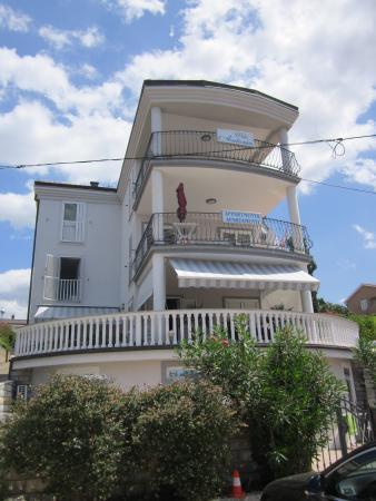 Villa Antonia Apartments
