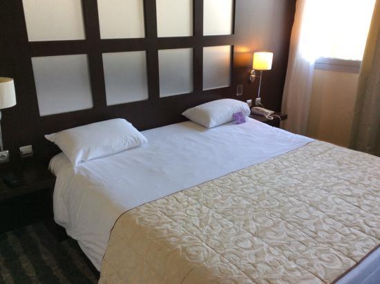 Mercure Rouen Champ de Mars Hotel: Zalige en vooral groot bed