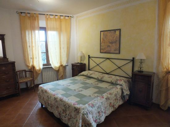 Podere le vigne: Lovely comfortable bedroom
