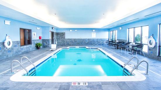 Holiday Inn Express & Suites Elkton - Newark S. - UD Area : Pool