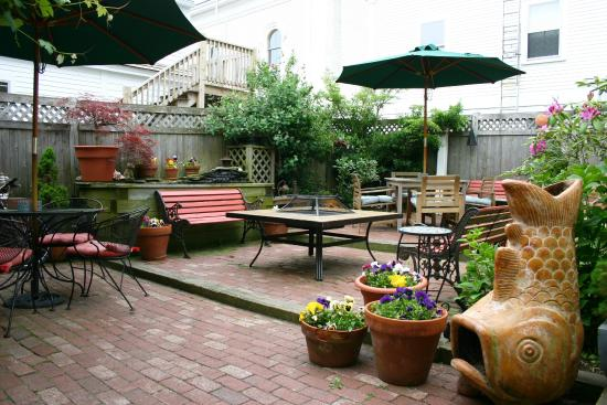 Christopher's by the Bay: The Outside Patio and Gardens