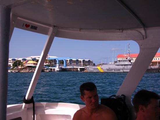Simpson Bay, St Marteen/St. Martin: Leaving Port