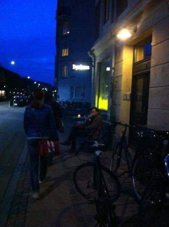 Photo of Cafe Cafe Dyrehaven at Soender Boulevard 72, Copenhagen 1720, Denmark