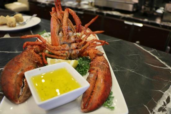 lobster picture of restaurant la sirene de la mer. Black Bedroom Furniture Sets. Home Design Ideas