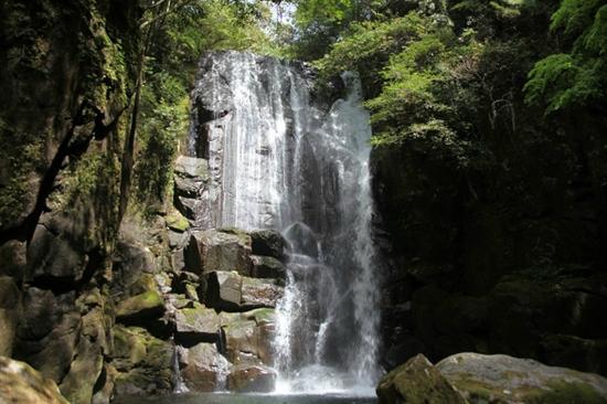 Kuwanoki Falls