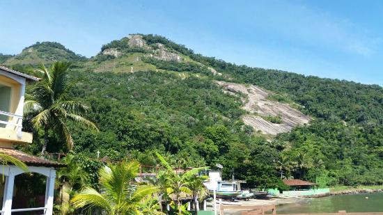 Pousada do Preto: Vista da colina que possui o Mirante