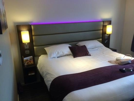 ‪‪Premier Inn Wirral (Two Mills) Hotel‬: comfiest bed you could ever sleep in‬