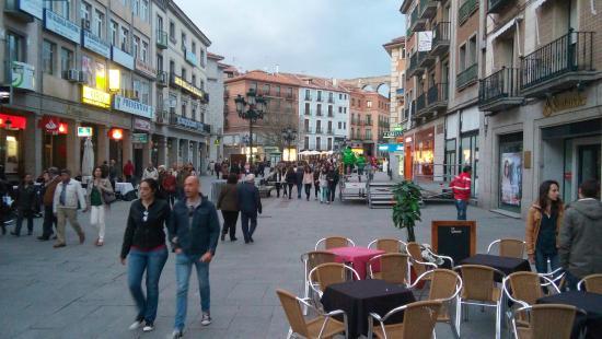 Hosteria Ayala Berganza: Comèrcio Local