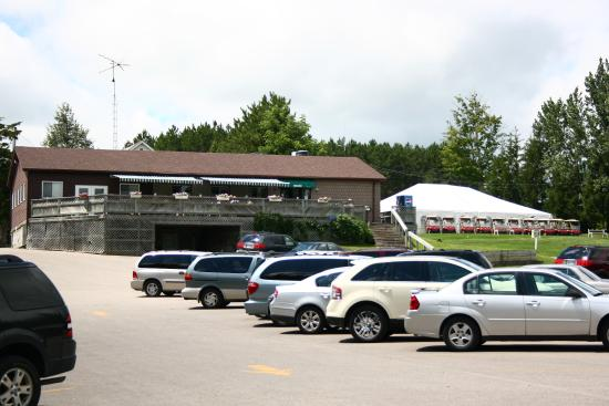 Barrie, Canada: Clubhouse, Tent, and Parking Lot