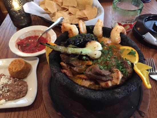 El Sol Mexican Restaurant Molcajete Mixto En Shrimp Steak Very Good Flavor