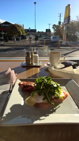 Sorell Cafe: Much Healthier Option than Across the street