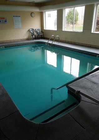 Econo Lodge: Indoor Pool