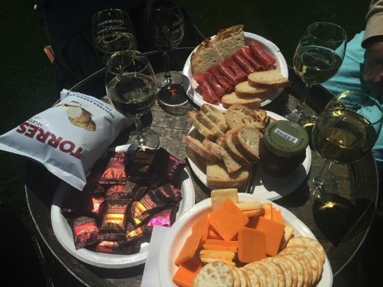 Jamesport, Нью-Йорк: White Wine & Cheese Plate, Chocolate Plate, Prosciutto, Olive Tapenade, Chips, Bread and Cracker