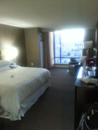 Sheraton Parkway Toronto North: King Room