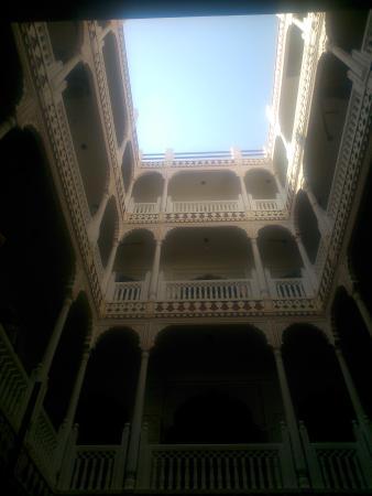 Krishna Palace: woww....