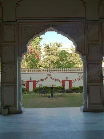 Krishna Palace: view of d garden