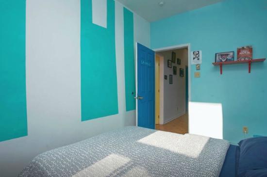 Le 9 et demi: Room #4 - 9 1/2 St Laurent