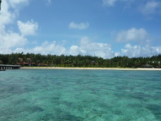 ココス アイランド リゾート , エメラルド色の海
