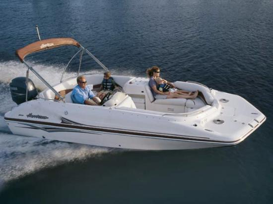 Located in duck key marina duck key mm61 oceanside for Fishing deck boats