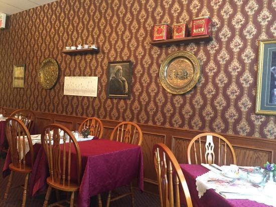 Queen Charlotte Tea Room Niagara Falls Ontario