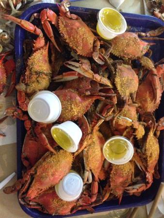 Blue Ridge Seafood: Blue crabs!  Yum!