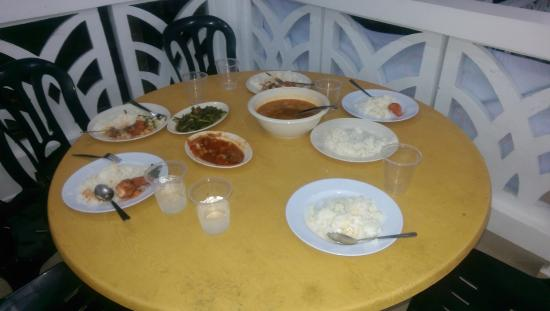 Perhentian Tropicana Inn: food served for 8pax
