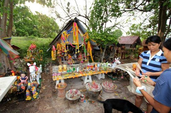 Non Din Daeng Thailand  city images : Non Din Daeng Fotos Besondere Non Din Daeng, Buriram Province Bilder ...