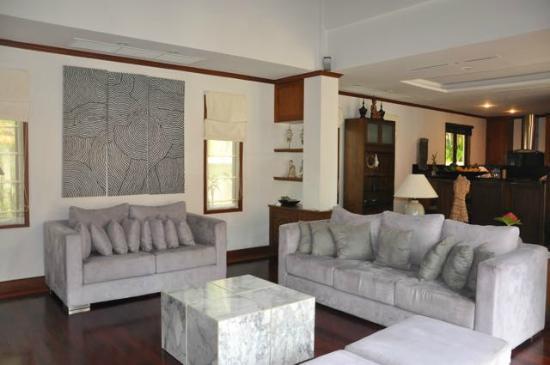 La Villa Rouge: Living room