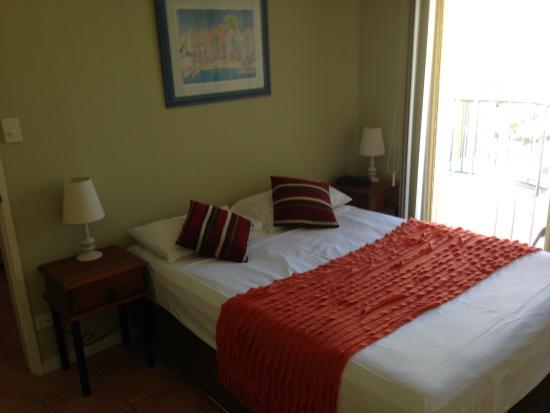 Beach Court Holiday Villas Cannonvale: Master Suite