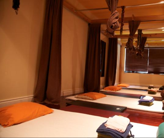 Thai massage area picture of urban nirvana toronto for 7047 design hotel