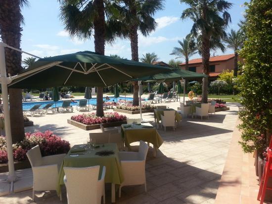 Hotel Clipper & Villas: Terraza Restaurante Hotel