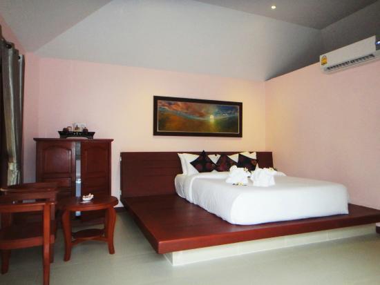 Chaweng Buri Resort : Deluxe Pool Villa