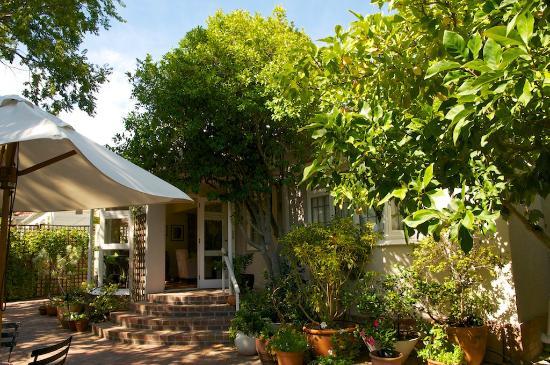 Jaqui's Garden Guesthouse: der Vorgarten