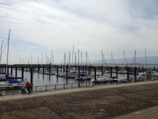 Osaka Hokko Yacht Harbor