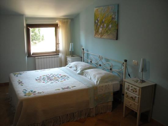 La camera da letto dell'appartamento   picture of country house ...