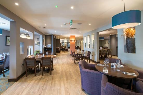 premier inn london brentford hotel reviews photos. Black Bedroom Furniture Sets. Home Design Ideas