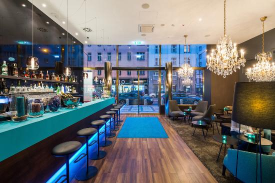 One lounge bar 1 picture of motel one prague prague for Top hotel prag