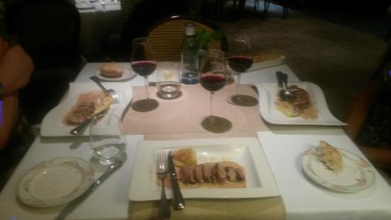 Cafe de Paris : De eend!