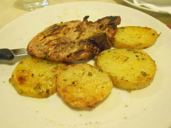 Gli Eremi : braciola di maiale alla griglia con patate golose