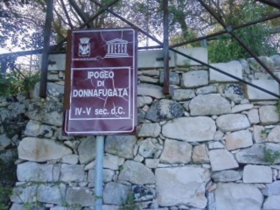 Santa Croce Camerina, Italy: cartello descrittivo
