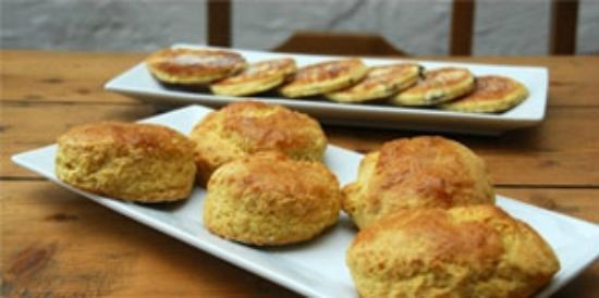 Blas at Fronlas: fresh scones and welsh cakes