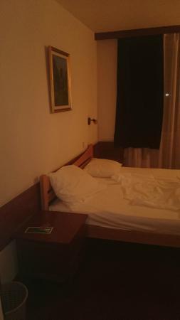Royal Hotel Inn: Номер