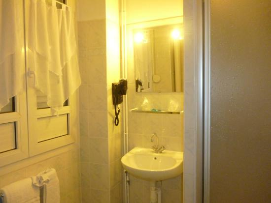 Hotel Central: Baño