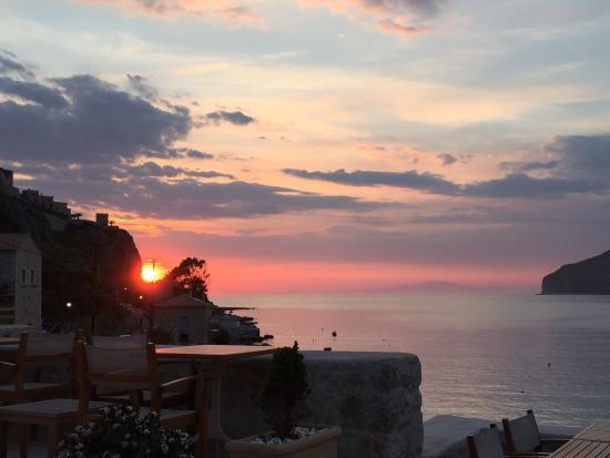 Pirgos Mavromichali: Sonnenuntergang vom Hotel aus