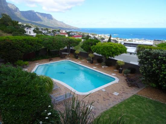 Camps Bay, Zuid-Afrika: Garten mt Pool