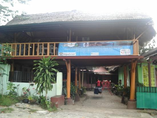 Rinjani Trails Home Stay & Restaurant