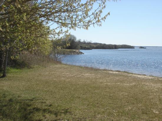 Le Ponton Hydroland: Autre point de vue sur le Lac